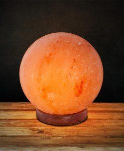 Лампа от хималайска сол с форма на кълбо