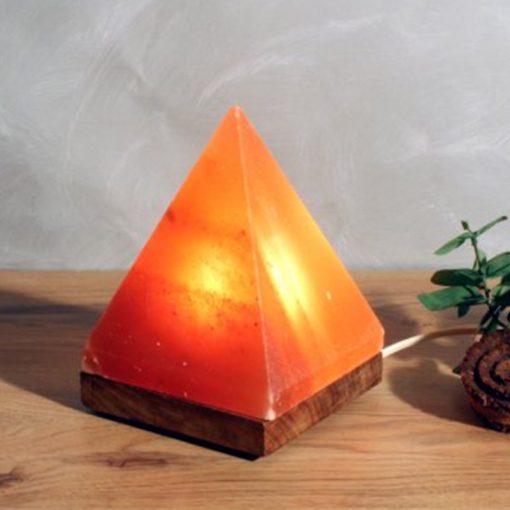 Лампа - Пирамида от Хималайска сол