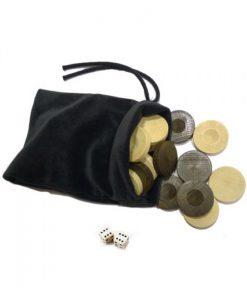 Дървени пулове и кокалести зарчета в торбичка
