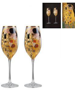 Целувката чаши за шампанко