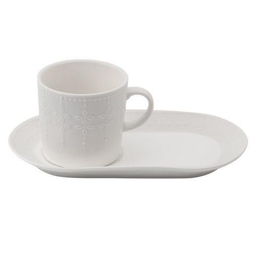 Бяла чаша с десертна чиния