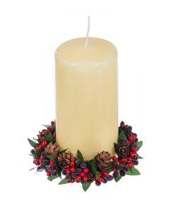 Коледен венец с шишарки за свещ