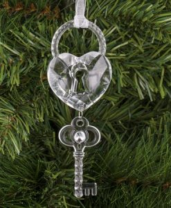 Висулка за елха ключ със сърце