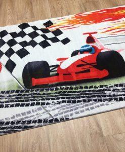 Детски килим с кола