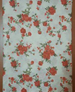 Покривка с червени рози