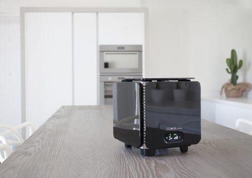 JONIX CUBE - уред за обеззарязаване и пречистване на въздуха
