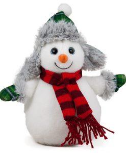 Снежен човек с ушанка и шал